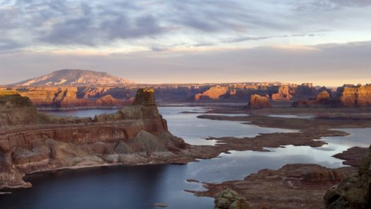 Arizona man falls to his death off cliff at Glen Canyon