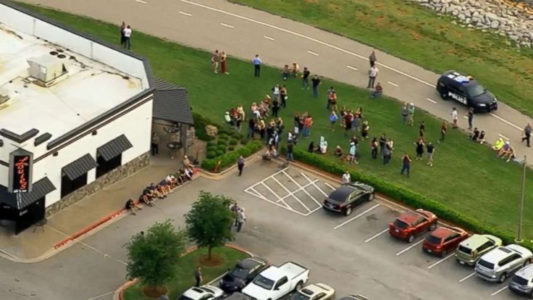 2 civilians rushed to their cars to get their guns before fatally shooting Oklahoma City restaurant gunman
