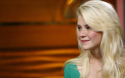 Elizabeth Smart gives birth to third child, a baby girl