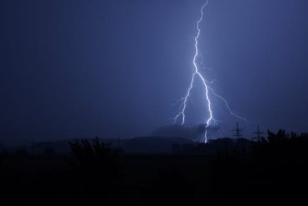 Utah scientists look to uncover mystery of lightning